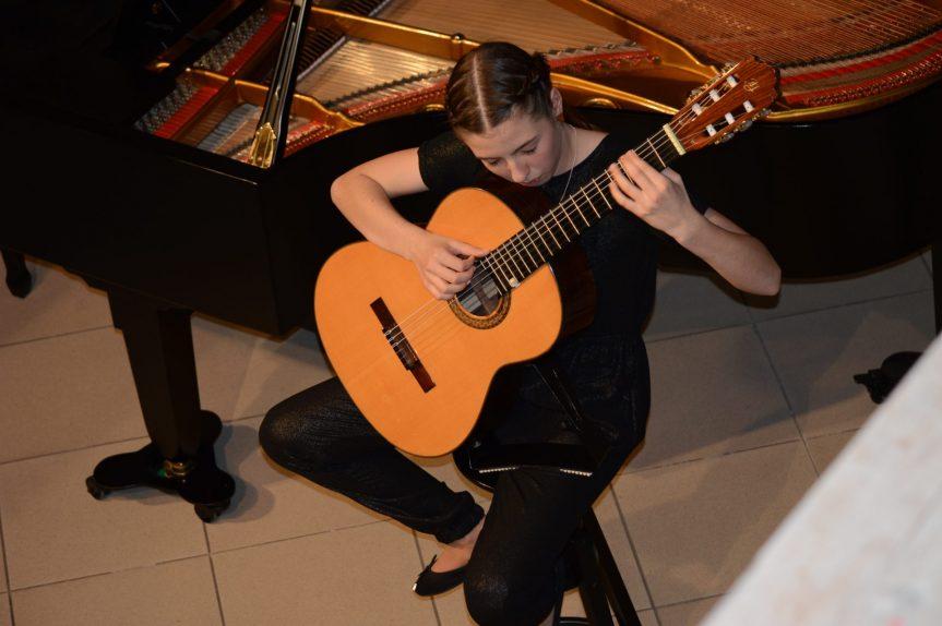 Kytarový koncert – vystoupení žáků kytarové třídy M. Mrlíka